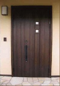 趣のあるオートロック玄関ドア