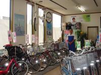 富田自転車店舗内